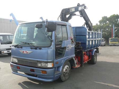 FD truck with 8.5 tons Hiab crane
